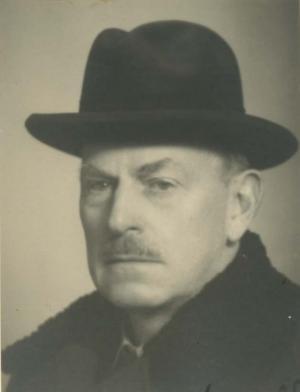 Evzen BAYER